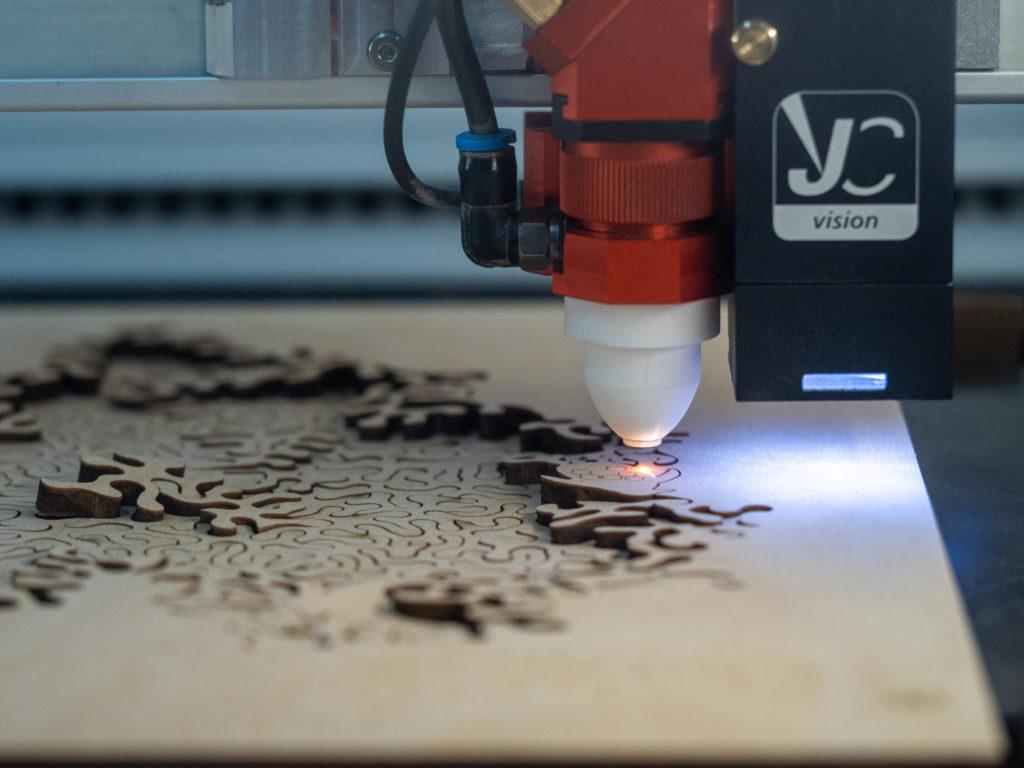 limpiar el corte laser con nozzle impreso en 3d